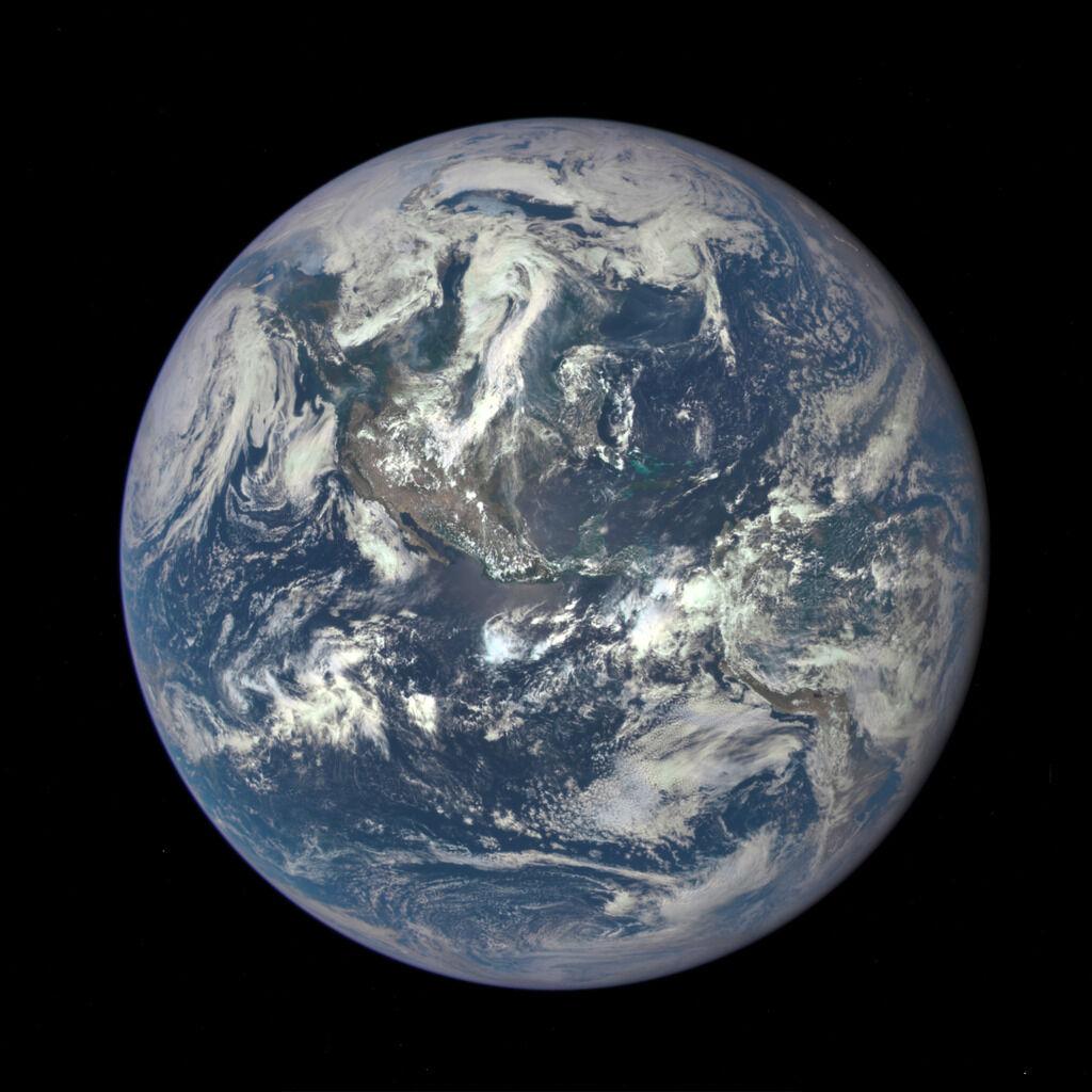 Rotación de la Tierra. Tierra vista desde un satélite de la NASA