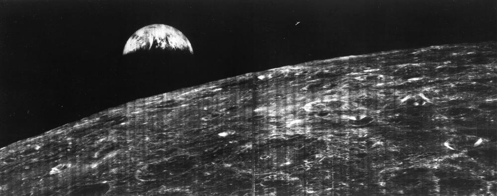 Primera-imagen-de-la-Tierra-desde-la-Luna.